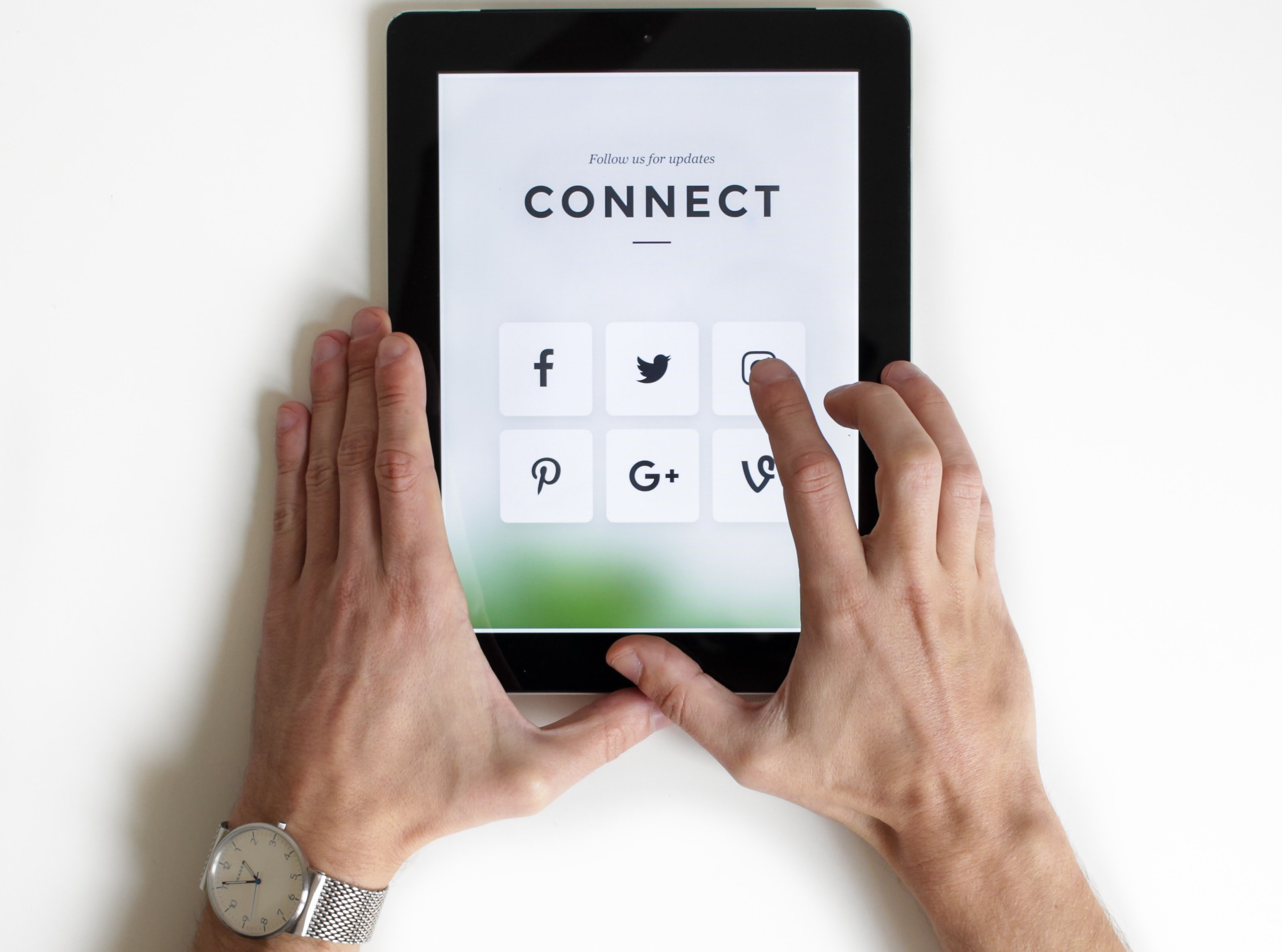Why Build Your Sphere of Influence with Social Media?